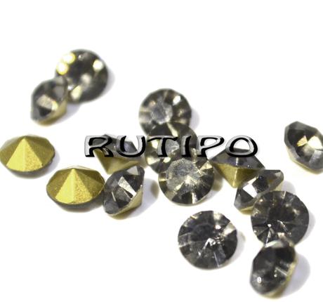 Конусні стрази Black Diamond, 2мм, 100шт